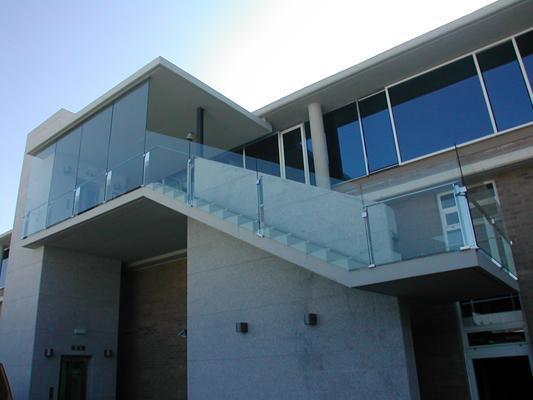 Bienvenido a cobre y vidrio for Casas con puertas de vidrio